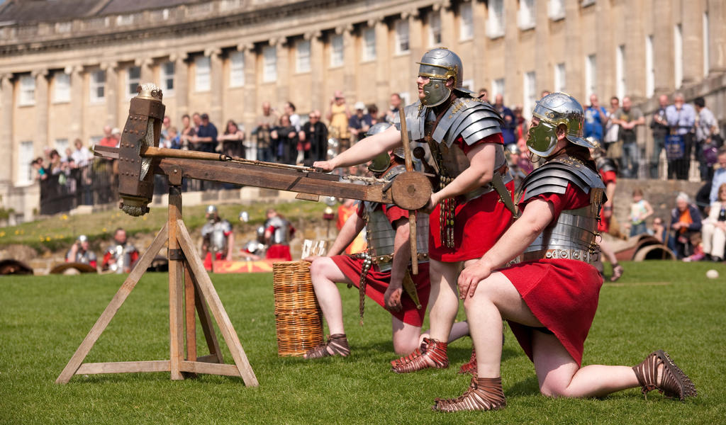 Image of Roman soldiers demonstrating weaponry outside the Royal Crescent