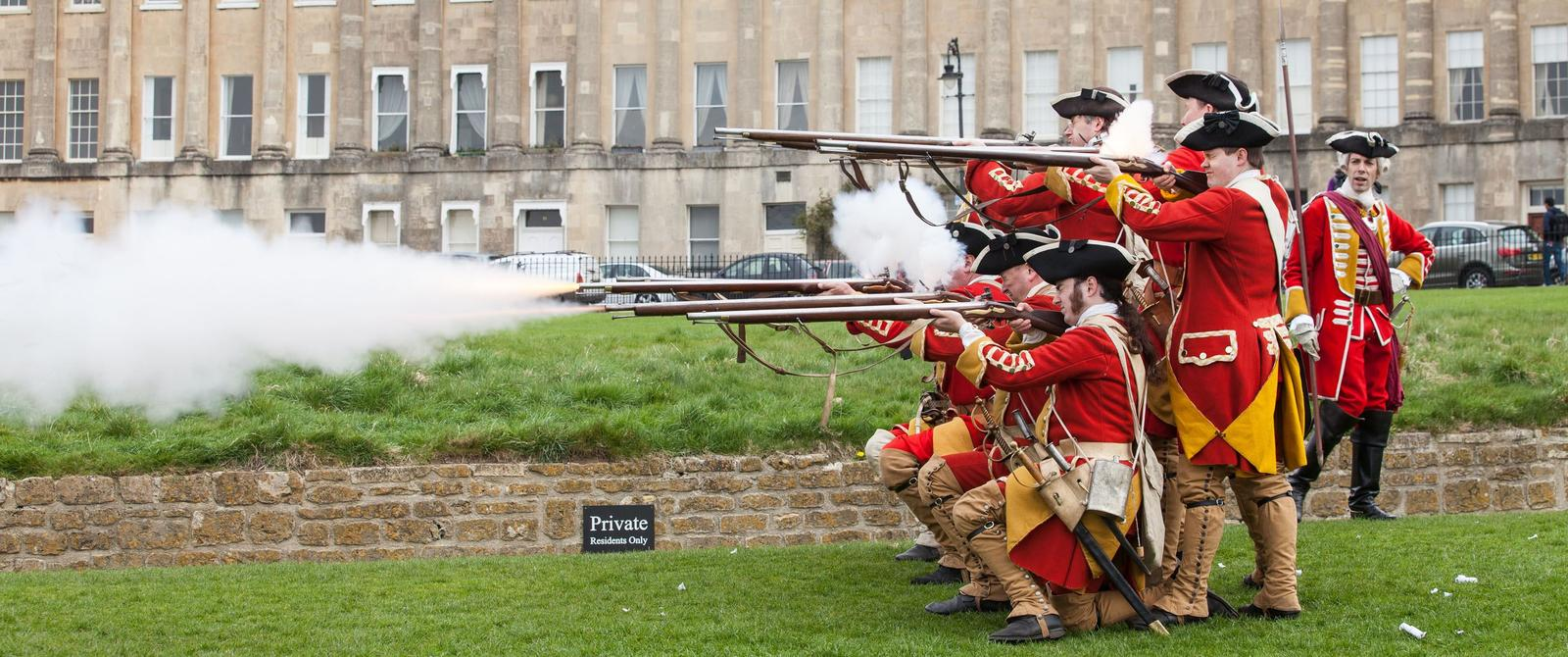 Image: soldiers re-enacting battle in front of Royal Crescent