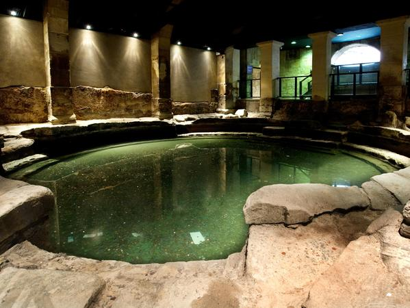 Image: Circular Bath at the Roman Baths